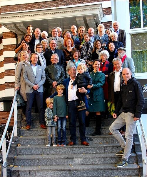 Groepsfoto van genodigden afscheid Thijs
