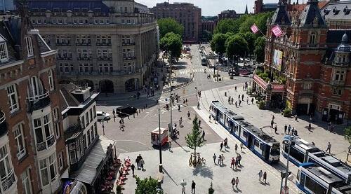 Uitzicht vanaf dakterras op Leidseplein